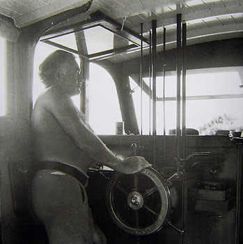 Hemingway at helm of Pilar